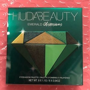 Huda Beauty Obsessions Pallet in Emerald